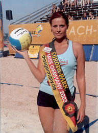 Babett Konau - Miss Germany mit Volleyball